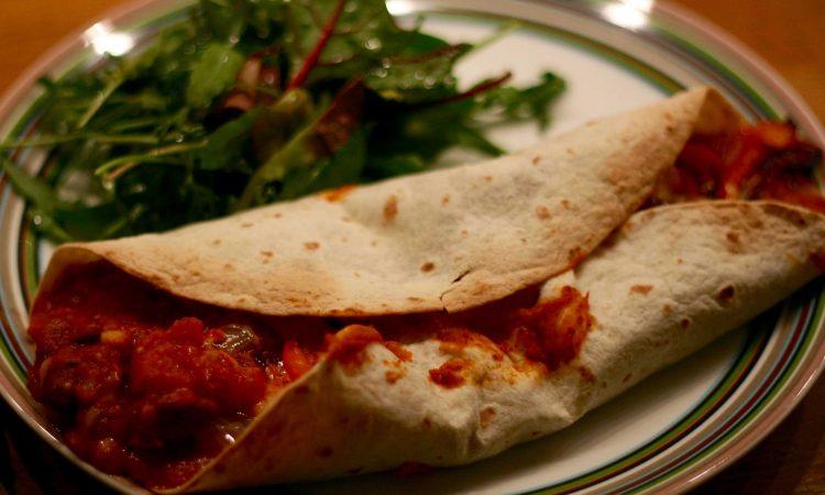 HelloFresh: Jamies Mexikanische Bohnen-Wraps mit Paprika, Tomaten und Chilis
